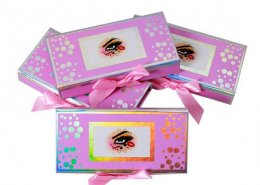 Cute pink holographic lashes packaging with bow